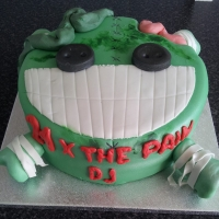 Lee Sinclair, cake Custom Cakes UK of Bristol